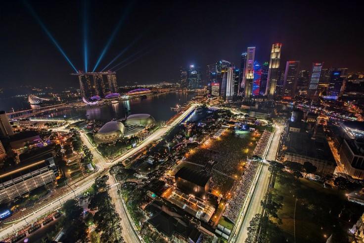 cropped-1024px-1_singapore_f1_night_race_2012_city_skyline2.jpg